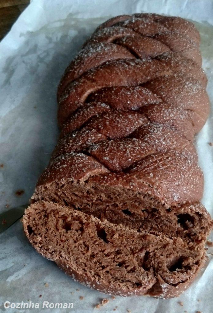 pão de chocolate, trançado com 4 pontas